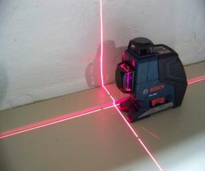 Лазерный построитель плоскостей для строителя